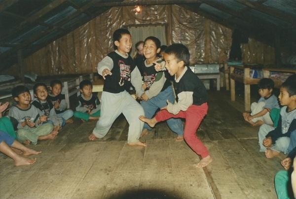 2003: Evening playtime