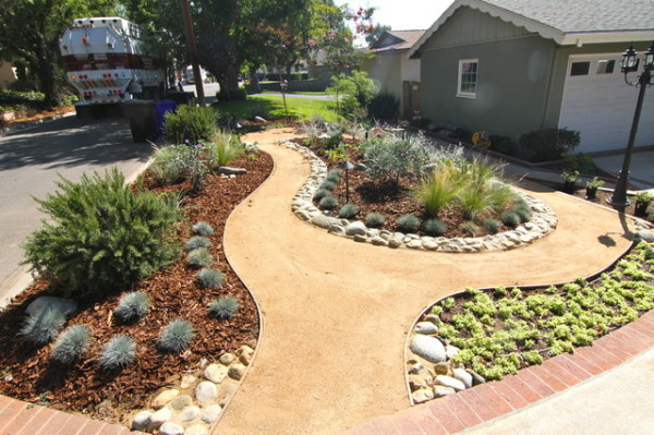 Mulch Your Garden To Preven Water Loss San Diego