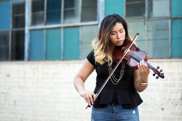 senior girl playing violin in oklahoma city oklahoma