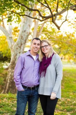 couple posing at will rogers park in oklahoma city oklahoma