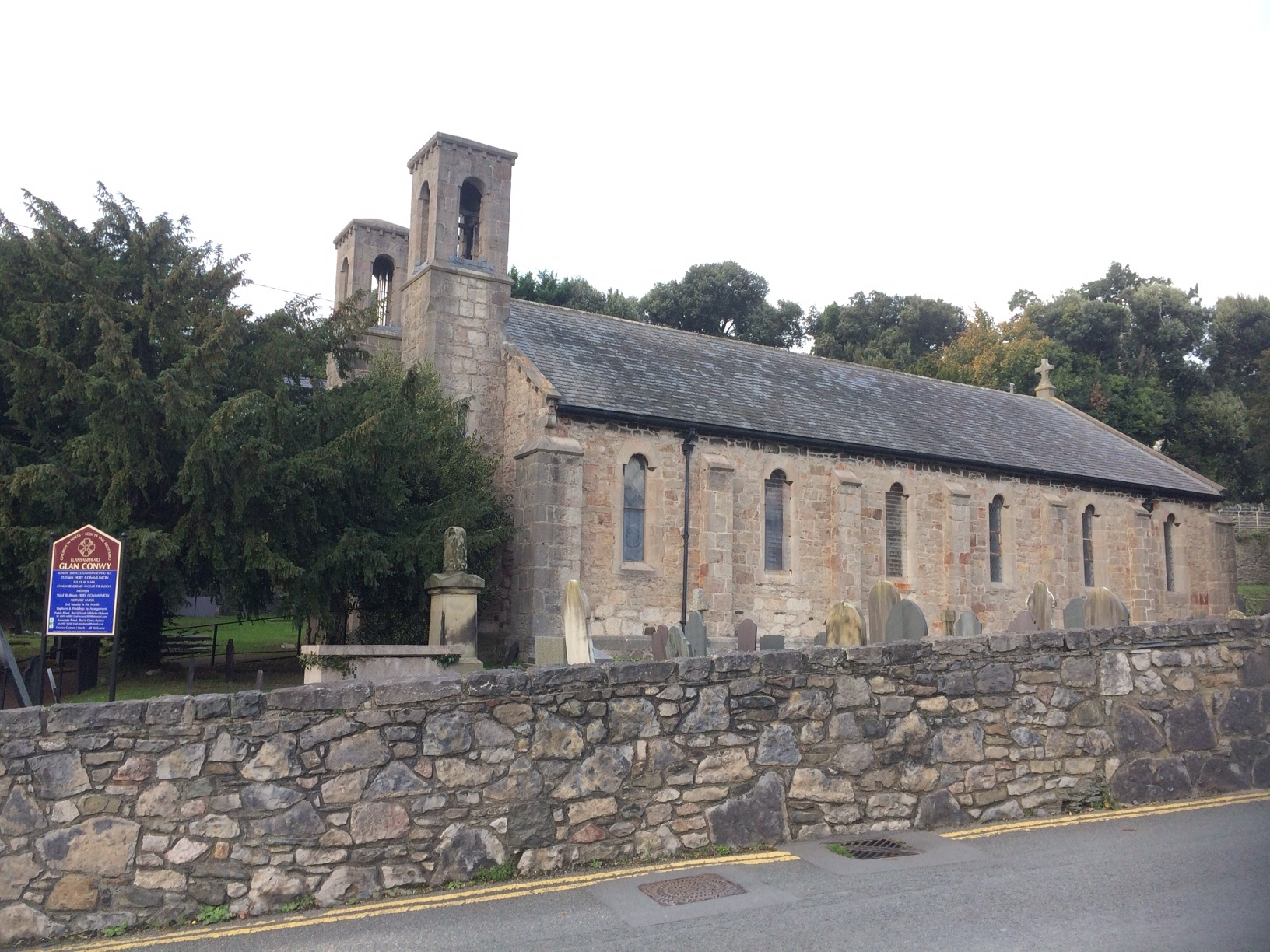 St Ffraid, Glan Conwy