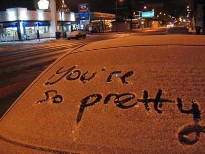 Write a nice message on a dirty vehicle.