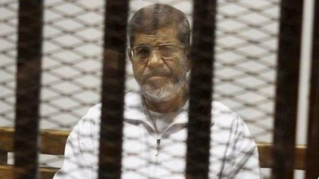 Maxkamad sare oo joojisay xukunkii dilka ee Maxamed Morsi