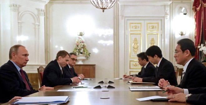 Putin oo ka dagay dalka Japan oo ay dhul isku hayaan