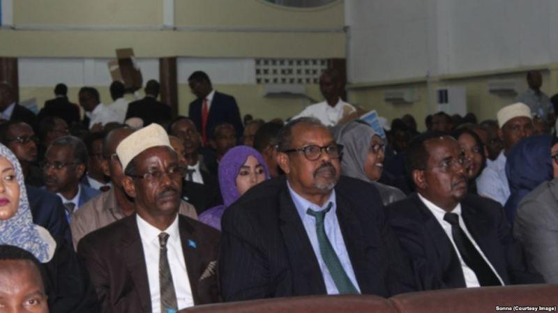Labada Aqal ee Baralamanka Somalia oo Kulmay
