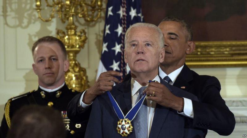 Obama oo Biden Siiyey Abaalmarinta Xorriyada