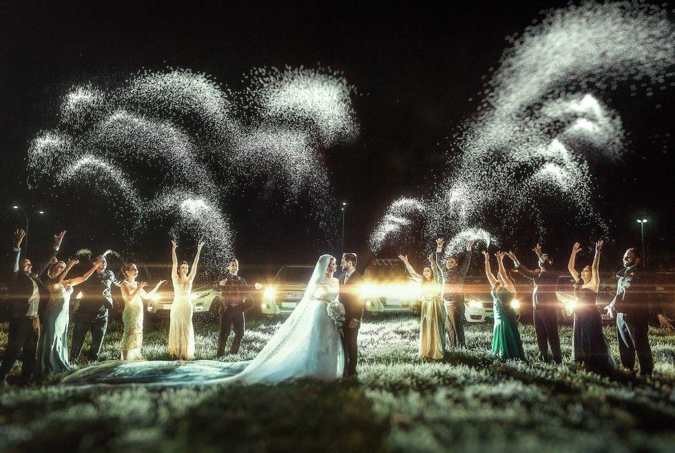 Amazing Wedding Photo!