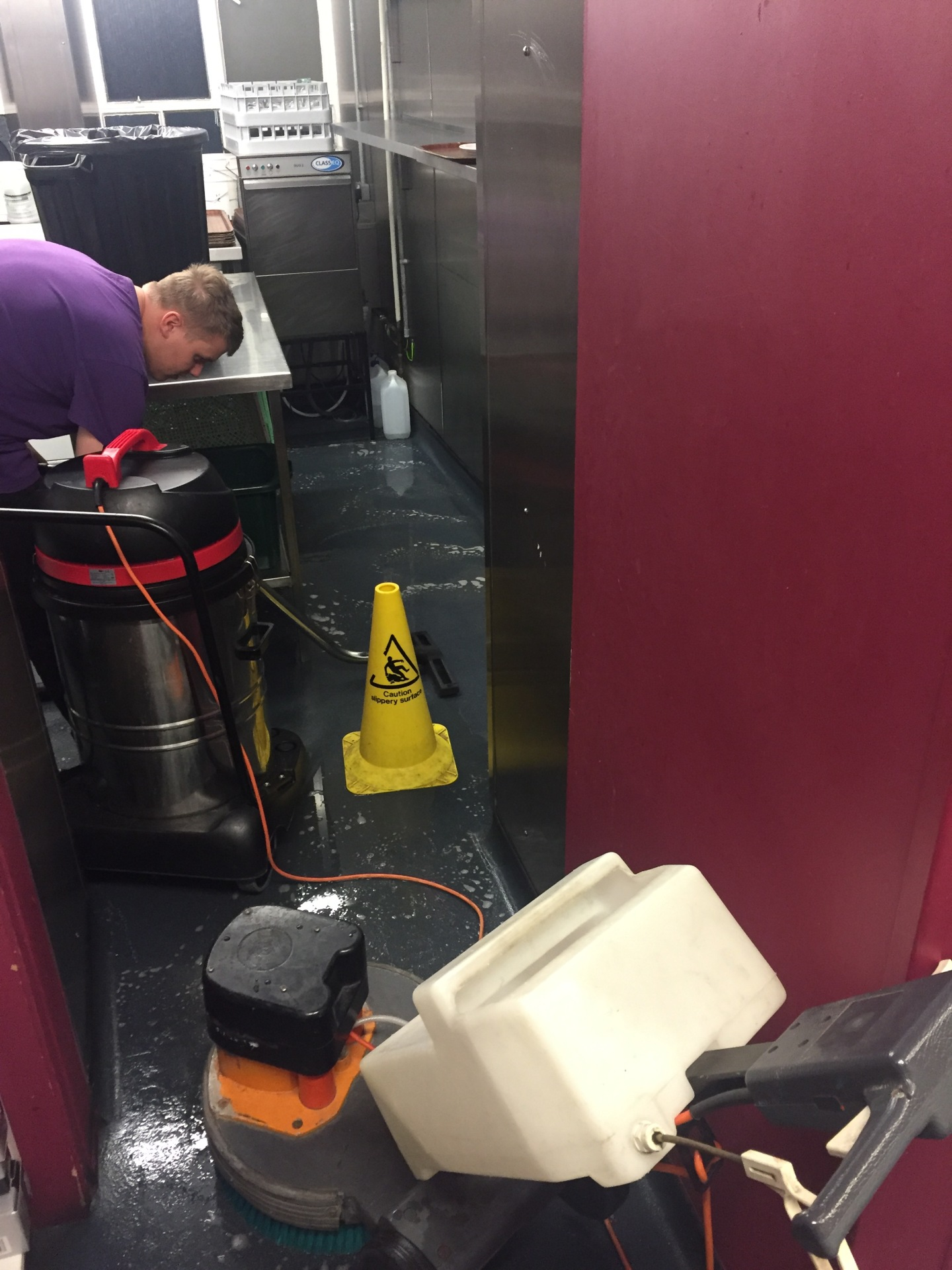 Contract Floor Cleaning