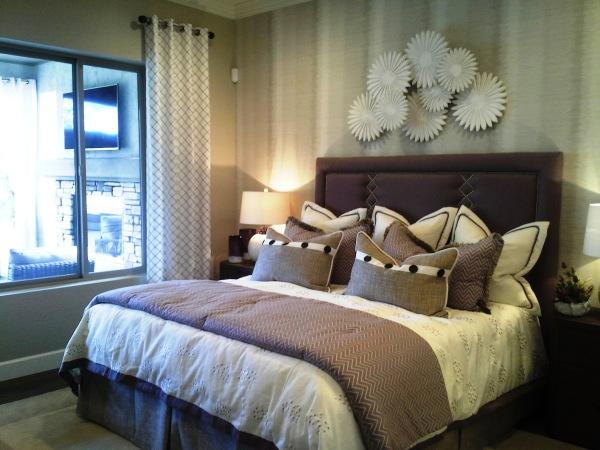 bedroom, comforter, pillow shams, pillows