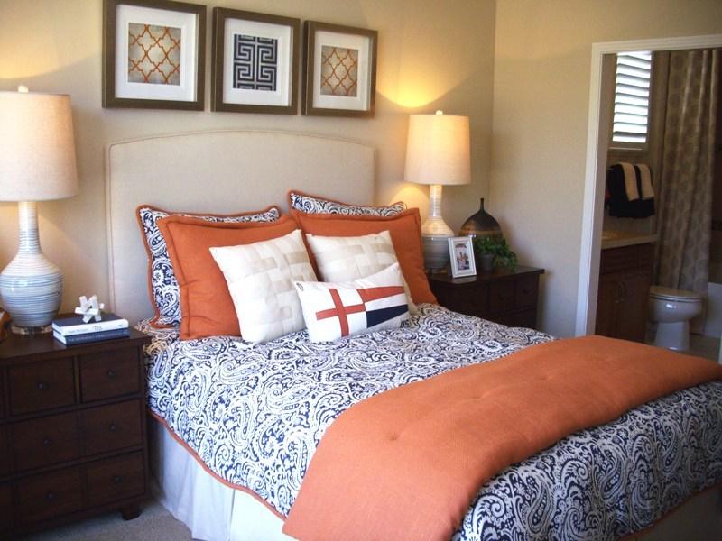 coverlet, bedspread, pillows