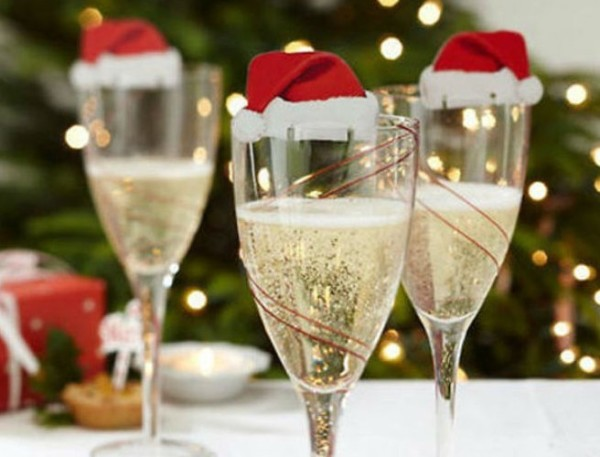 Champagne glasses with Christmas hats