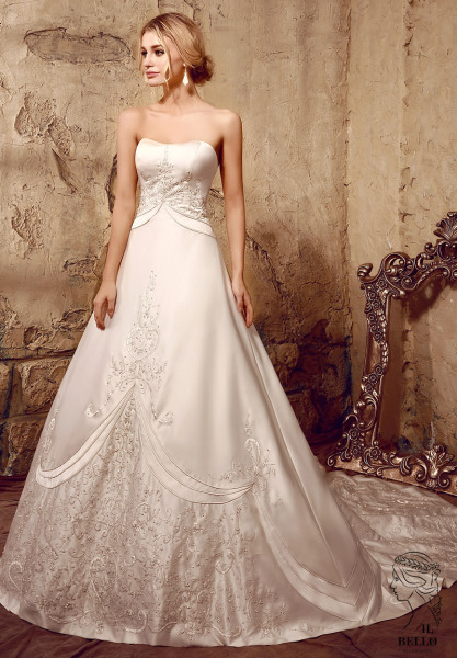 Embroidery Satin Strapless Wedding Gown