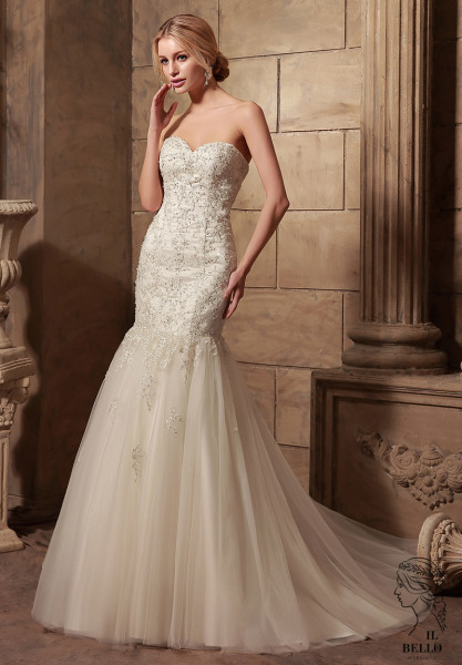 Sweetheart Fit And Flare Tulle Wedding Gown