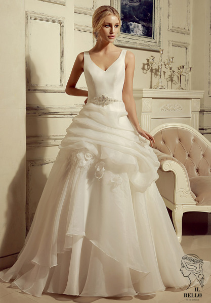 V-neck Organza Wedding Gown