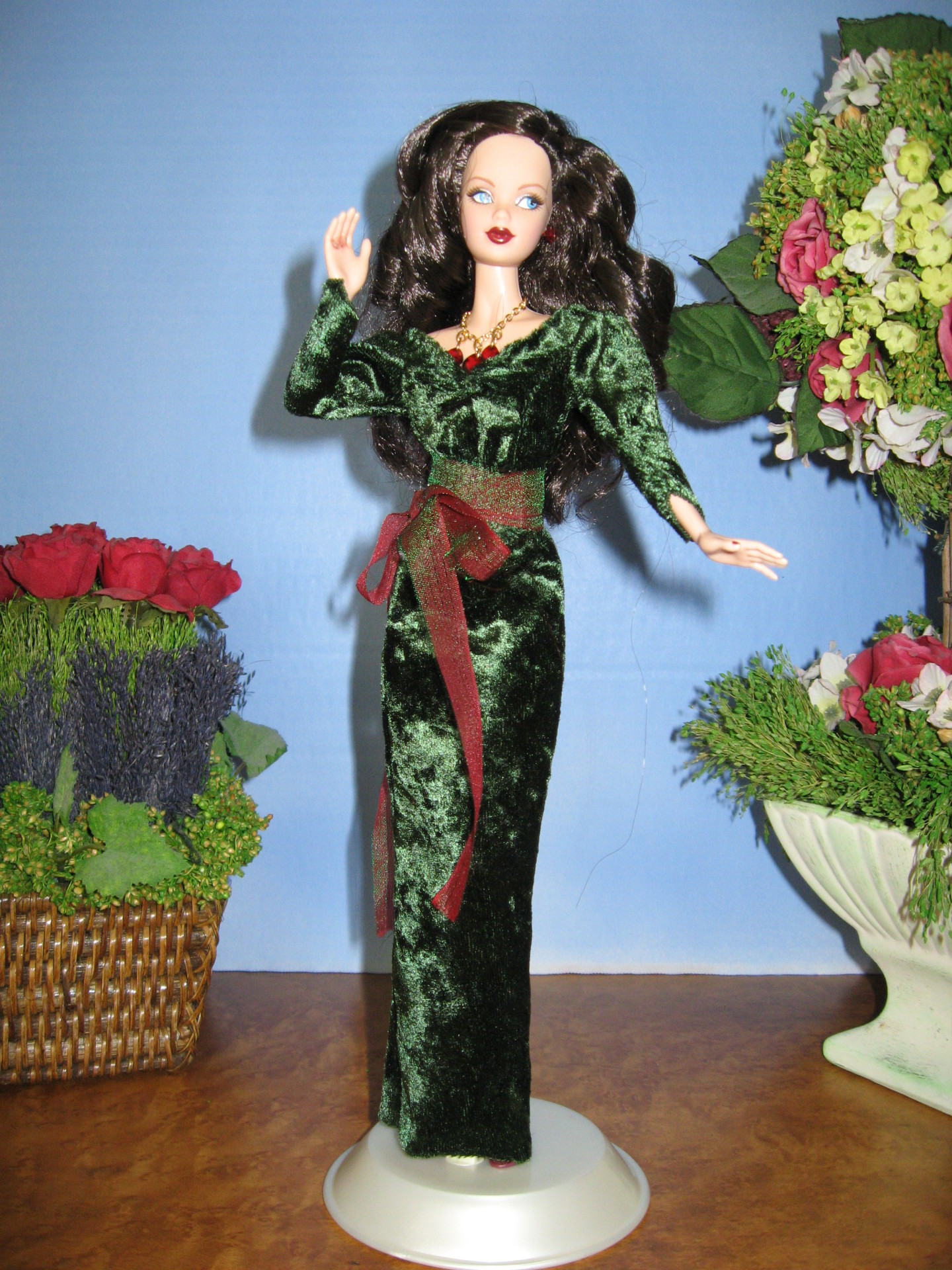 Queens of the Night, Christmas #3004 $12.95
