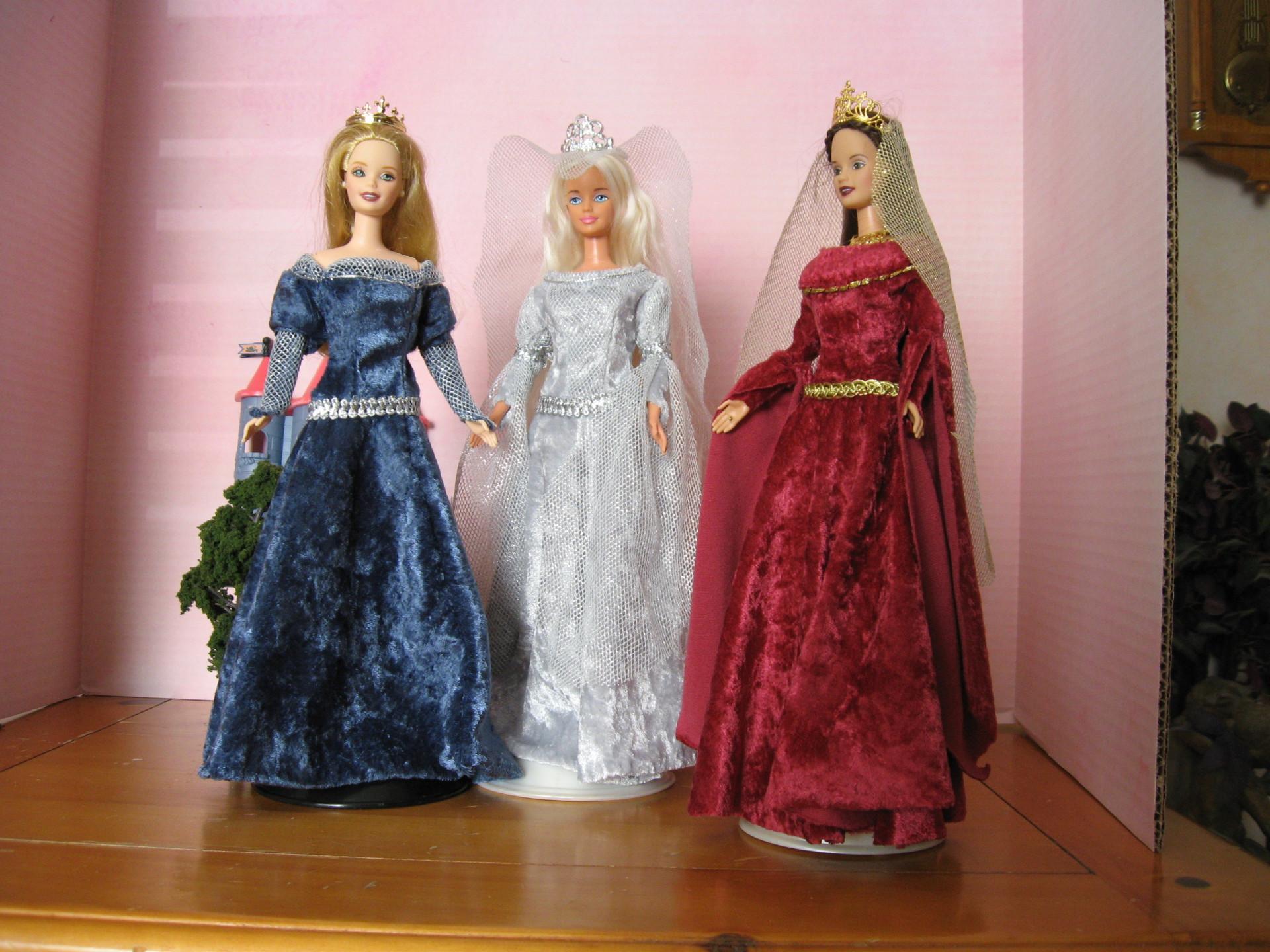 """Isolde, Isolde, Isolde"", 3 views,   #0603  $11.95"