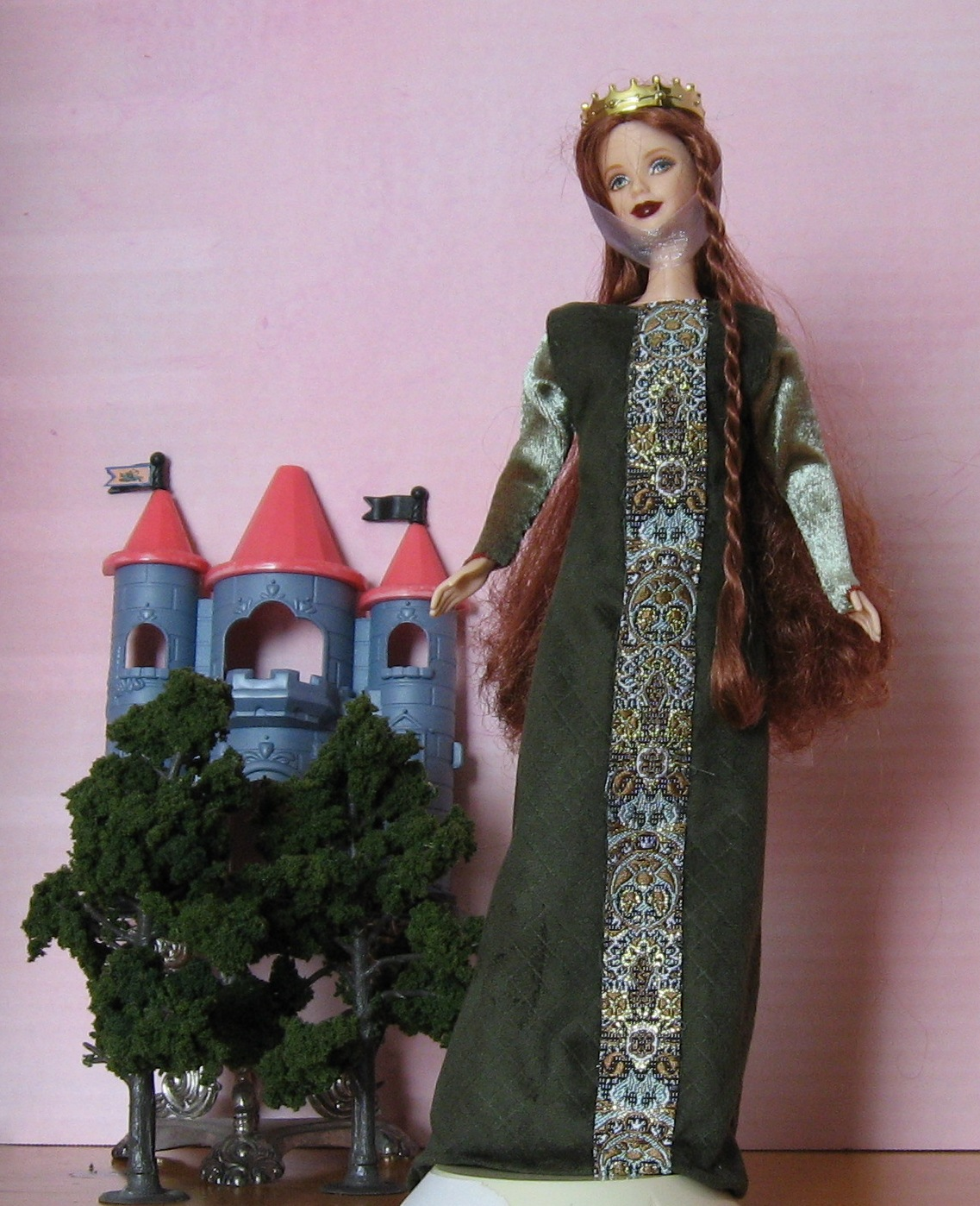 Eleanor of Aquitaine, View A   #0605   10.95
