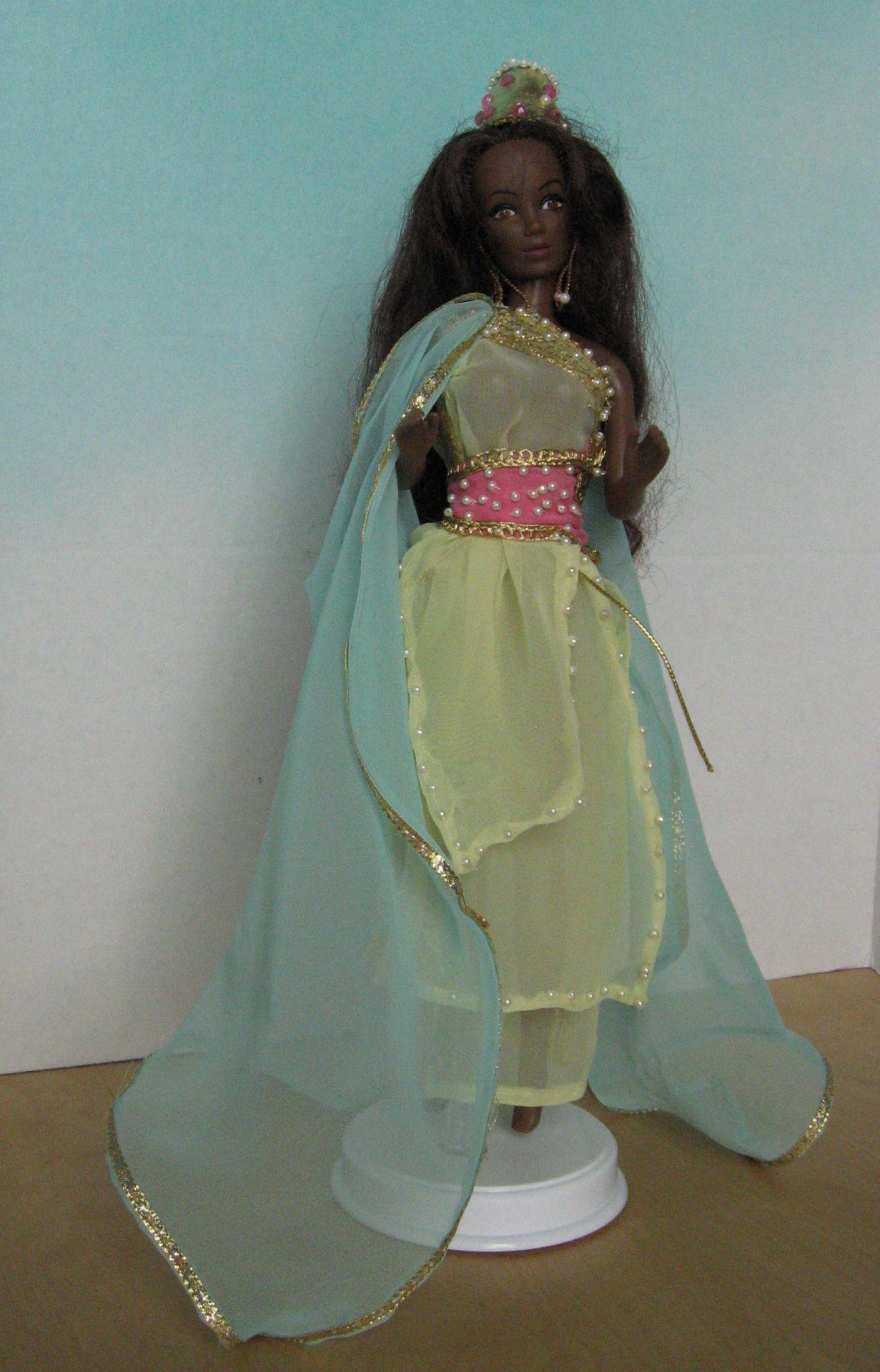 """""""Queen of Sheba"""", View A, #0702  $11.95"""