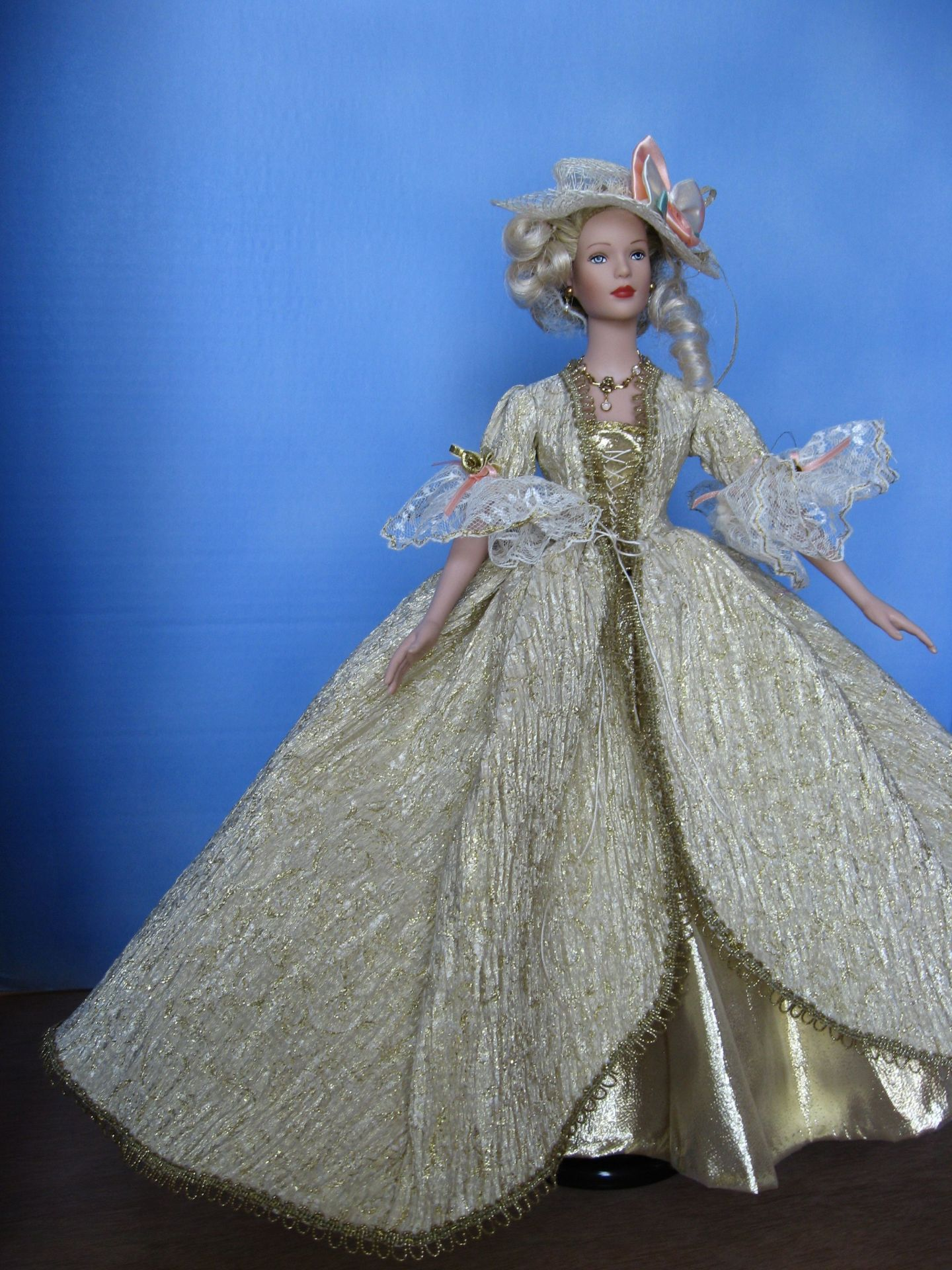 "Gran Bella, ""Versailles"", Tyler View,  #8201     $13.95"