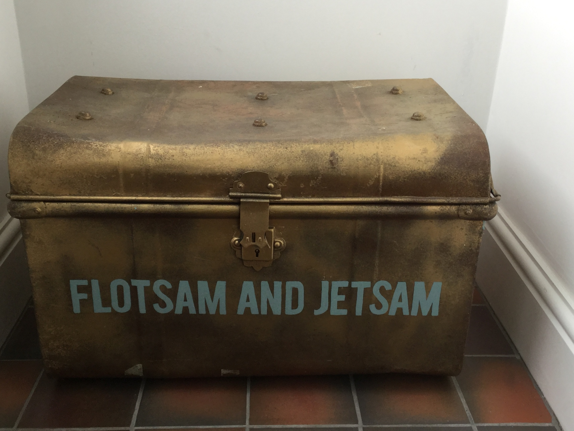 Flotsam & Jetsam toy chest