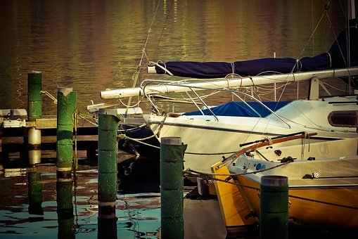 Boat Sitting