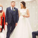Couple reviewing magician Danny Jewell from a performance at their wedding at village hotel, warrington