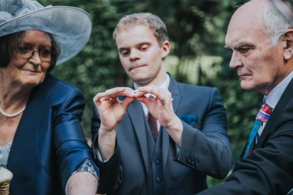 Manchester Magician entertains elderly couple at wedding