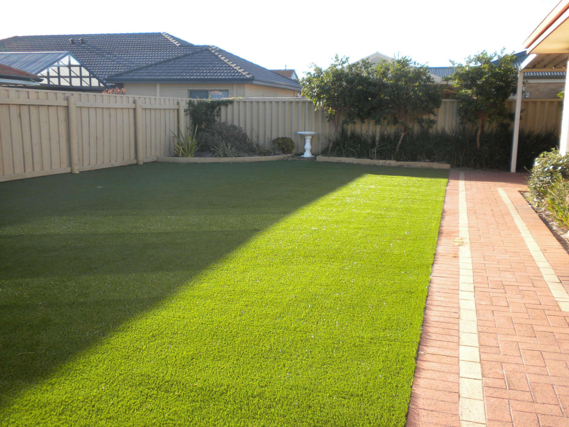 Large backyards with artificial grass
