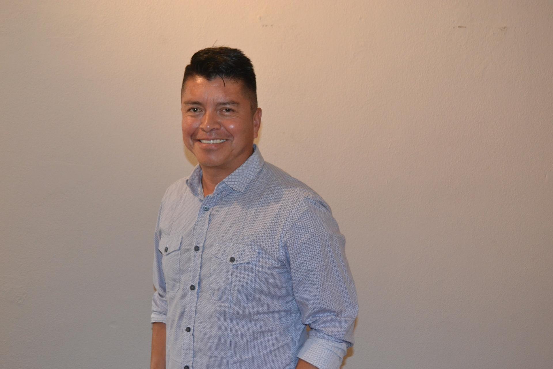 Carlos Palacios Líder de Alabanza