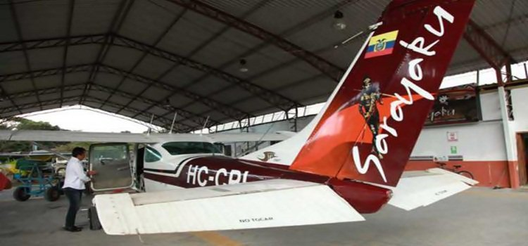 Ecuador: primera aerolínea indígena del mundo creada por un banco solidario