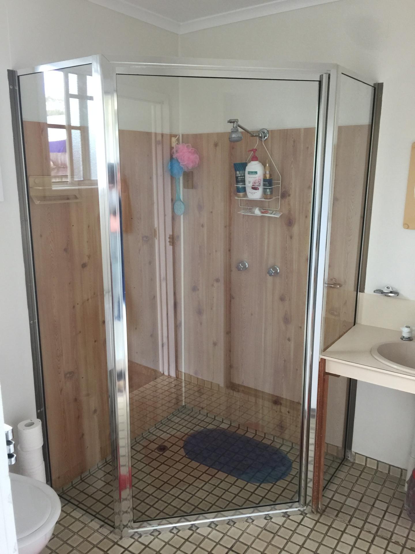 45deg Shower Screen