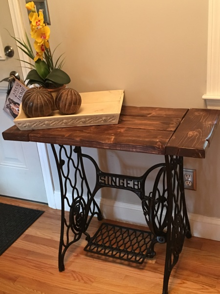 Singer Accent Table - Farmhouse Style!
