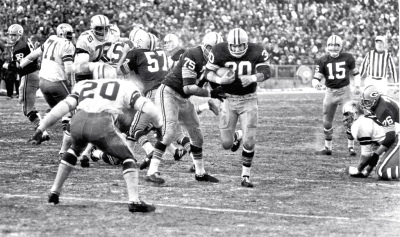 54-Give, Chuck Merceins runs the ball to the Dallas 3-yard-line late in The Ice Bowl