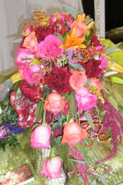 Hot pinks and Orange mix cascade