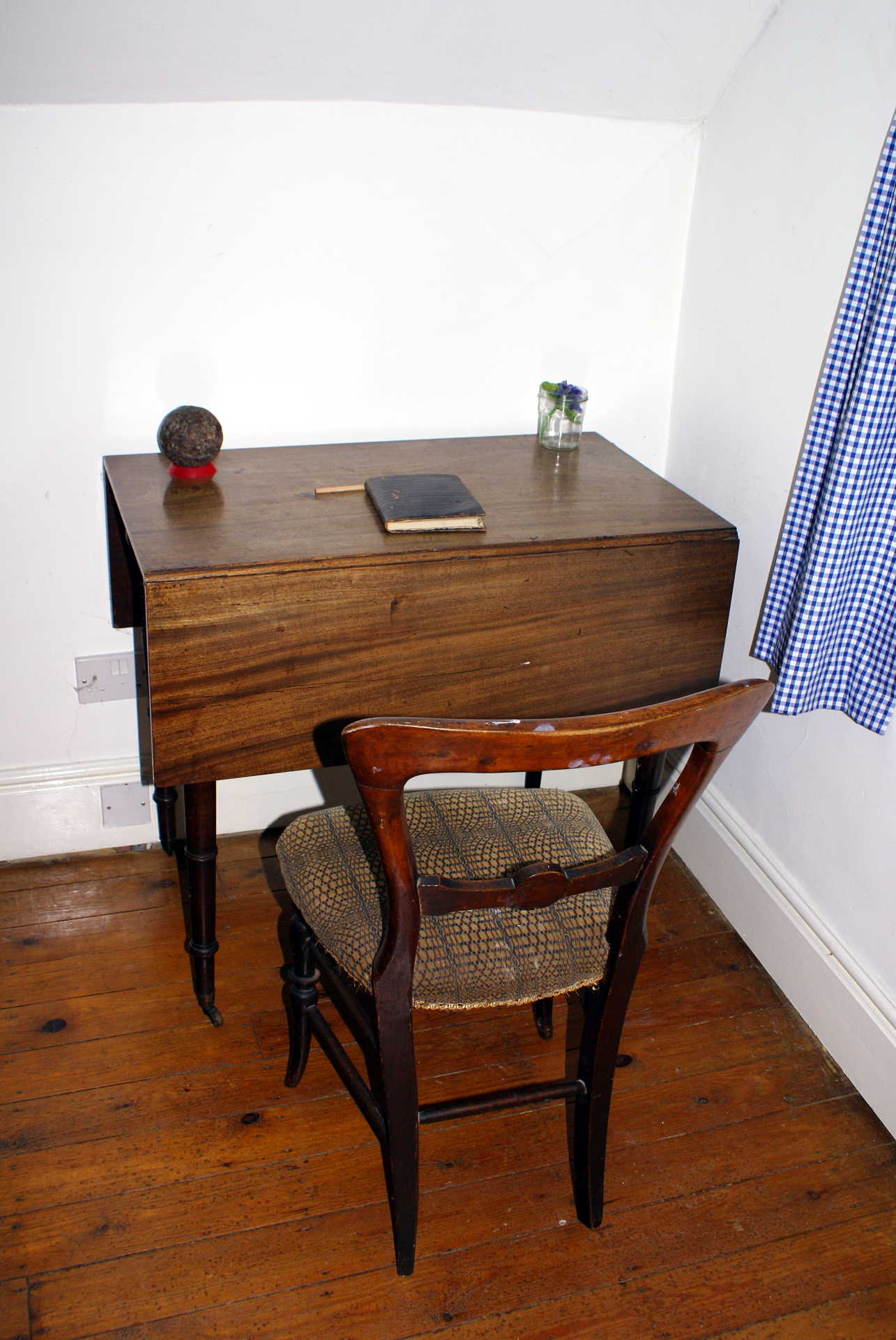 Jefferies' writing desk