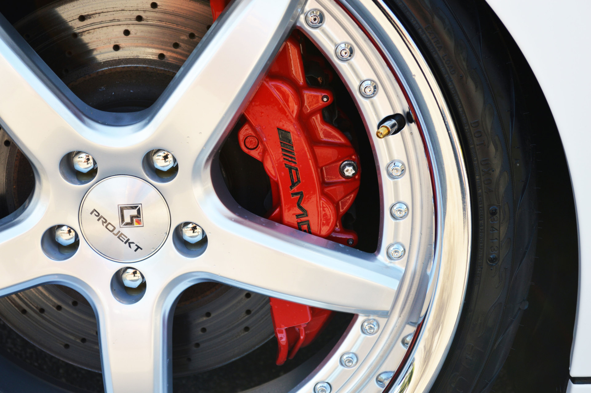 Mercedes gloss red calipers