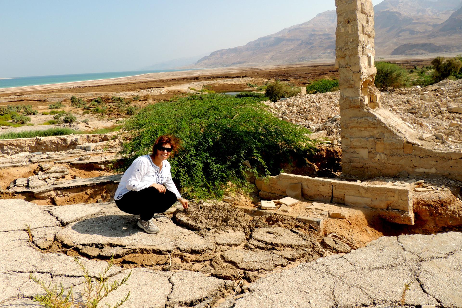 Dead Sea, Jordan, Sinkholes