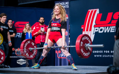 Heather Connor deadlifting