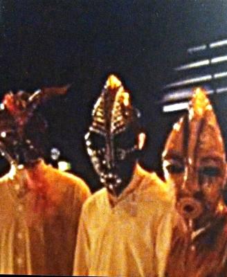 USEITA ROOLEJA - Saaban kuningatar, Teatteri Telakka / Näty 2000