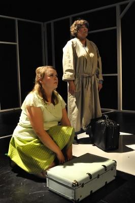 AINA JOKU EKSYY - Valkeakosken kaupunginteatteri 2011