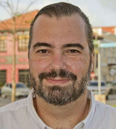 Adriano Nanof