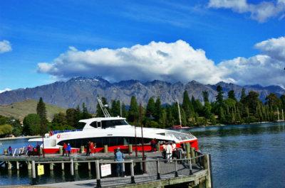 皇后镇风景观光游船 小红船