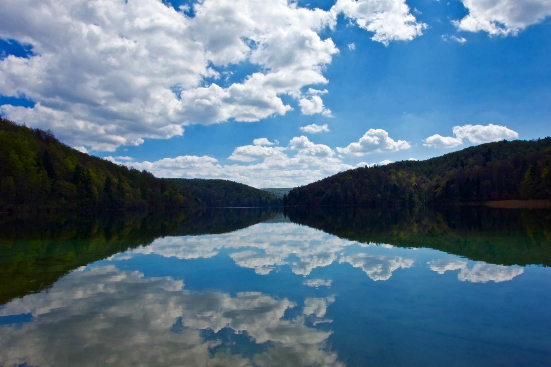 16 pristine cascading lakes at Plitvice Lakes
