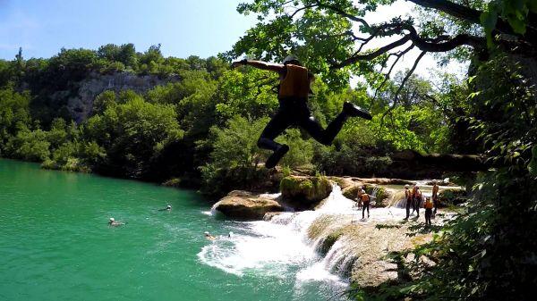 Jump a 10m waterfall