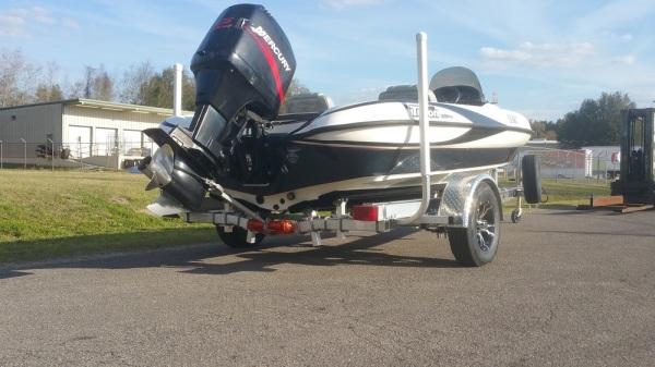 National Trailer -  Aluminum Boat Trailer -  Custom Trailer Flats Boat - Bass Boat - Freshwater Fishing - Bass Fishing - High Performance - Aluminum Boat Trailers
