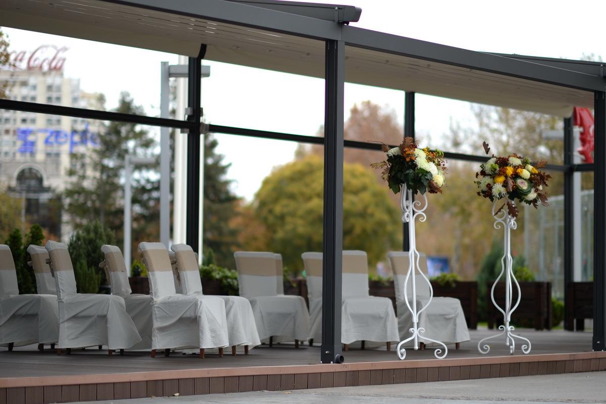 Restoran Flert, Flert Events - sala za venčanja, svadbe, poslovne događaje, privatne proslave, rođendane, krštenja i druga slavlja - spoljašnjost restorana, bašta