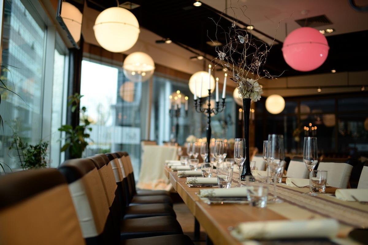 Restoran Flert, Flert Events - sala za venčanja, svadbe, poslovne događaje, privatne proslave, rođendane, krštenja i druga slavlja - enterijer