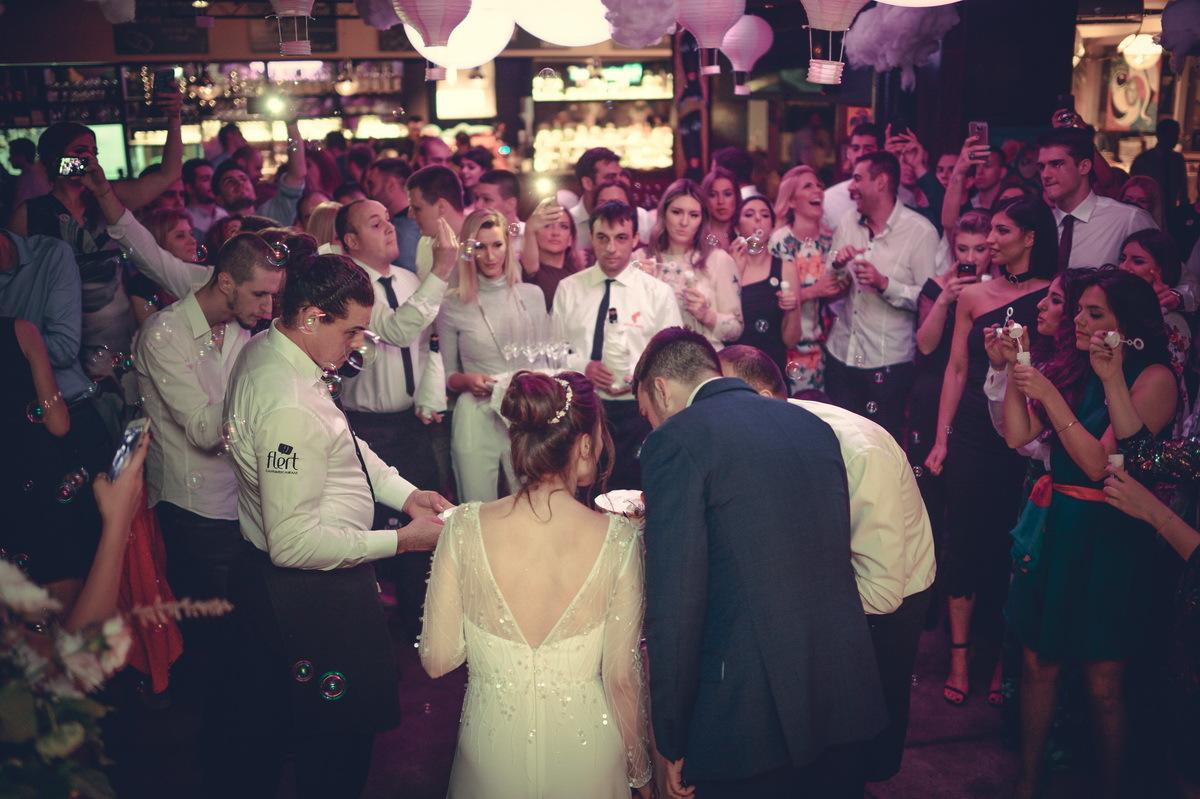 Restoran Flert, Flert Events - sala za venčanja, svadbe, poslovne događaje, privatne proslave, rođendane, krštenja i druga slavlja - svadbena torta