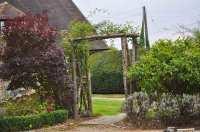 Blooms Gardening - Landscaping & Construction Wadhurst - Pergolas
