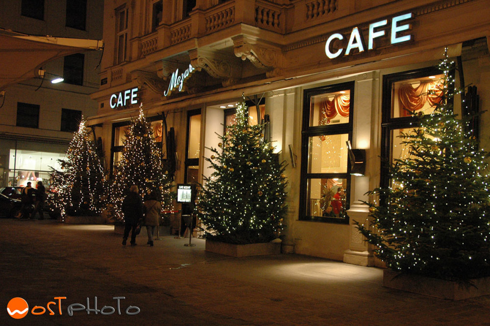 Traditional Austrian Kaffeehaus in Vienna at Christmas time